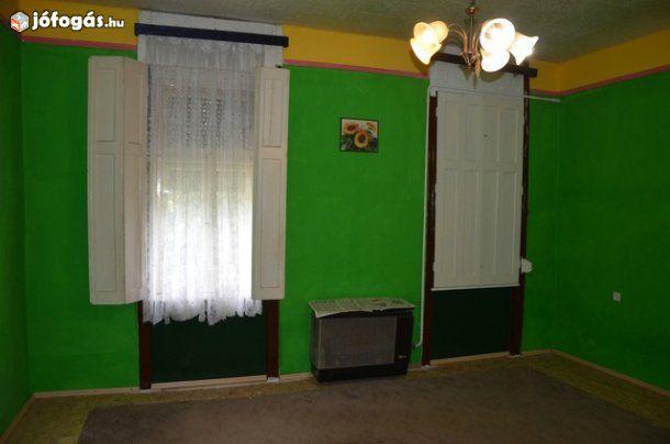 Lakás áráért családi ház