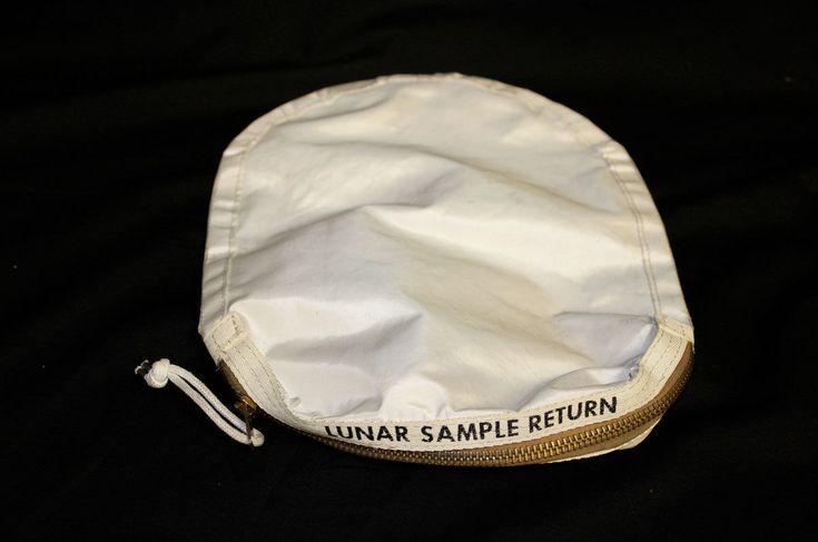 Сумка с лунными образцами с корабля «Аполлон-11» случайно продана НАСА