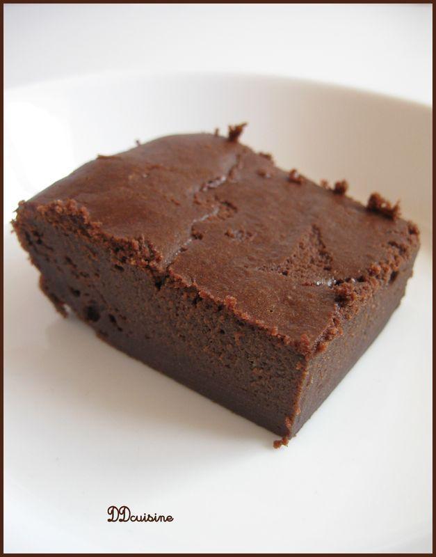 Brownie au chocolat et au tofu soyeux : tofu soyeux, cacao en poudre, chocolat, farine, maïzena, sucre, oeuf,...