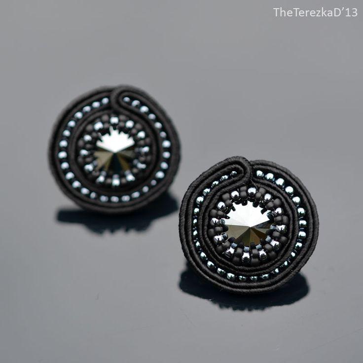 Round: Black Hematite - TheTerezkaD