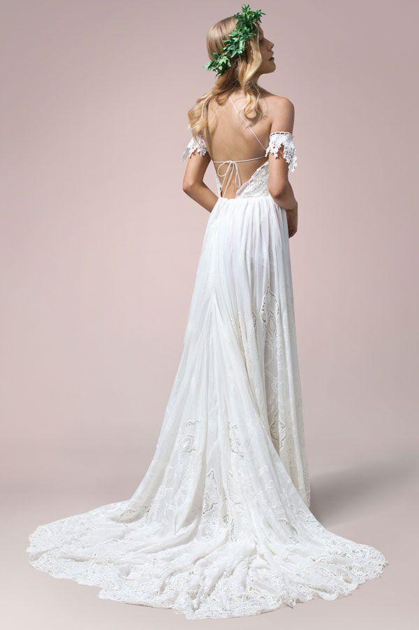 Zara by Rue De Seine available at The Bridal Atelier www.thebridalatelier.com.au @thebridalatelier #sheisthebridalatelierbride