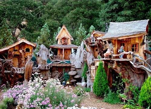tree house masters | Tree house by Master Carver Steve Blanchard (with a ... | Art I Love~