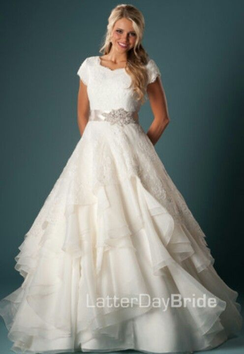 Esmeralda Wedding Gown  Latter Day Bride. I loveeeeee this dress!!!!