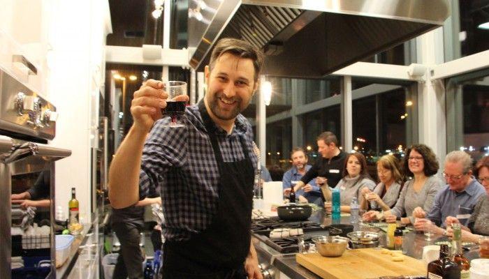 Bob le chef a donné un atelier culinaire à nos finalistes lors du dévoilement de notre concours TVA où la gagnante s'est mérité une nouvelle cuisine d'une valeur de 15 000$ ! #cuisinesaction #concours #tva #boblechef #atelierculinaire