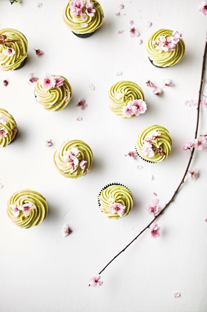... matcha cupcakes with matcha buttercream icing ...