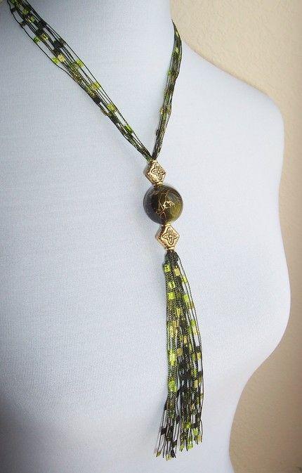 Eyelash Yarn Necklace Patterns   Yarn Necklaces
