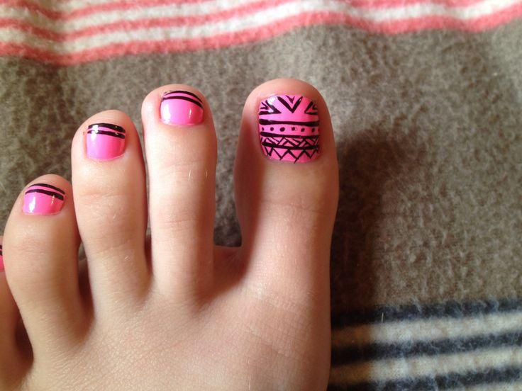 Tribal toe nails!