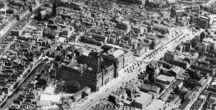 1937. Coolsingel.  Gezien vanaf het Wena.