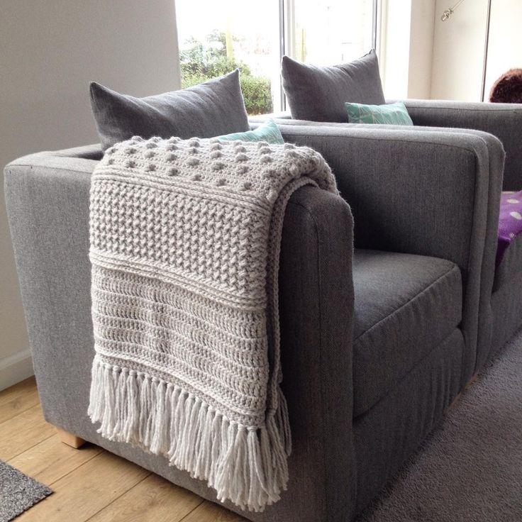 """My #droomdeken is finished :). Very happy with the result! Thank you @wolplein for the nice CAL⠀ ⠀ Wishing you a nice day!⠀ ⠀ Mijn """"droomdeken"""" van Wolplein.nl is eindelijk af, erg blij met het resultaat! ⠀ ⠀ Fijne dag!⠀ ⠀ #droomdekenCAL #blanket #crochetedblanket #wolplein #zeeman #zeemanjulia #woolyarn #yarn #love #pink #crochet #crocheting #crochetaddict #crochetlove #croché #haken #hekle #heklet #hekla #häkeln #virka #häkelnisttoll #hakeniship #hakenisleuk #häkelliebe #instacrochet…"""
