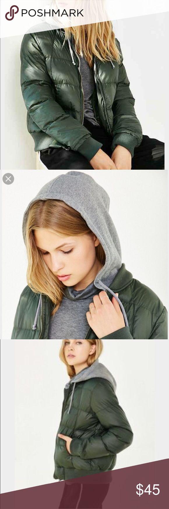 NWT BB Dakota Kiley puffer jacket Sporty puffer jacket with removable knit hood. Keep you warm no matter the weather. NWT. BB Dakota Jackets & Coats Puffers