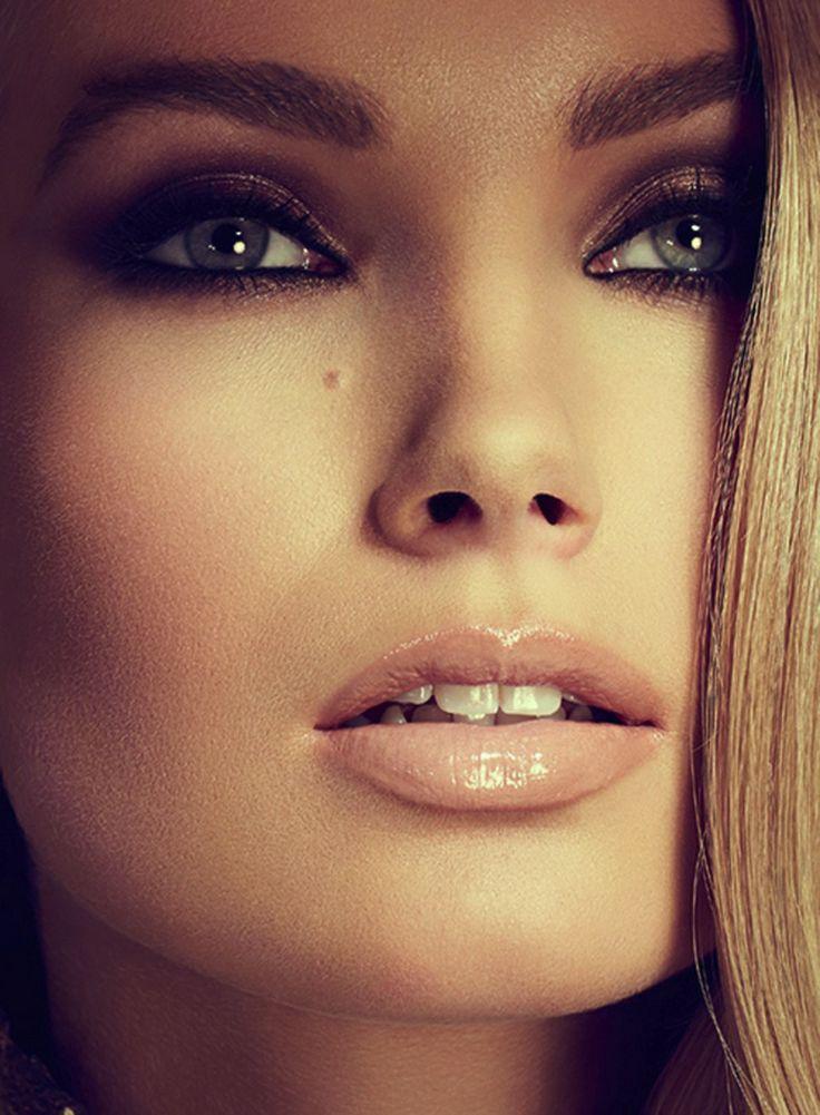 Makeup: Terry Barber Photographer/Hair/Model: Unknown #MUAM #Makeup #MakeupArtist #MUA