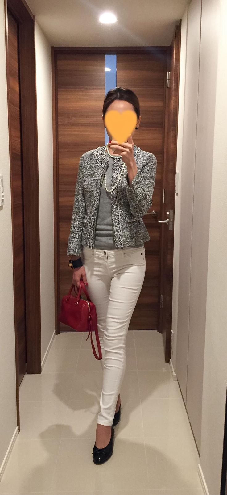 Jacket: NEWYORKER, Grey tee: Three dots, White skinnies: AG, Red bag: Saint Laurent: Flats: CHANEL