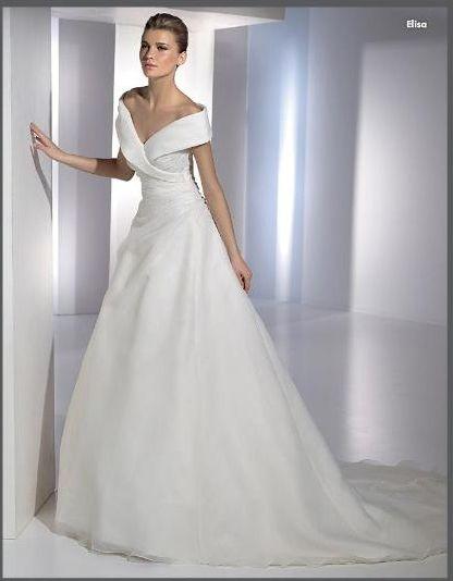 Elegant Gentle Popular Off the Shoulder Slight Ruched Satin Overlay Organza Chapel Train Wedding Dress OWD