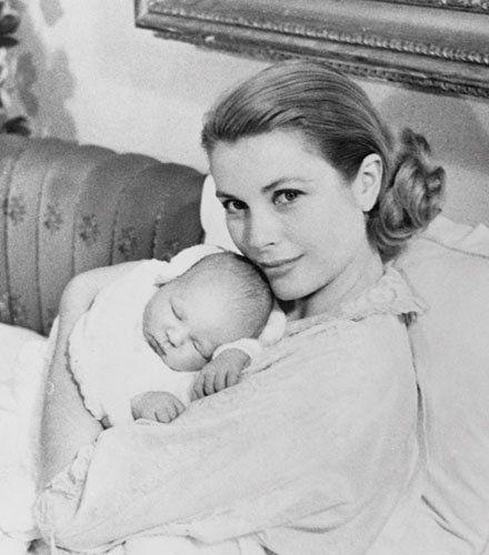 Prinzessin Gracia Patricia zeigt stolz ihr zweites Kind