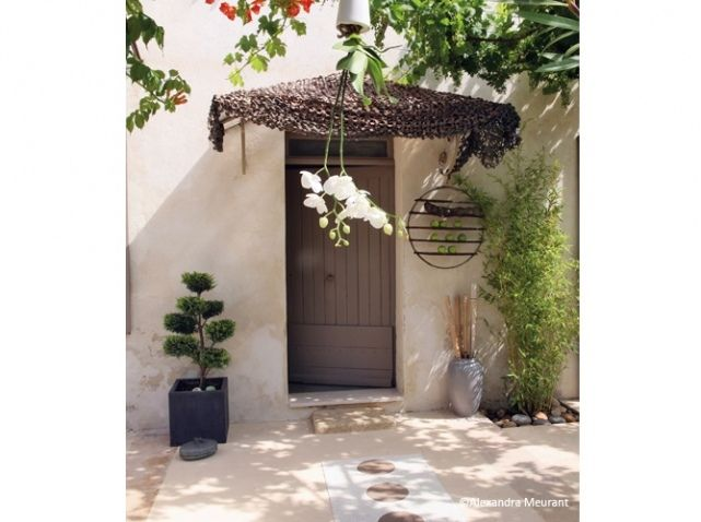 Entree maison zen jardin pinterest d corations de for Decoration d une porte d entree