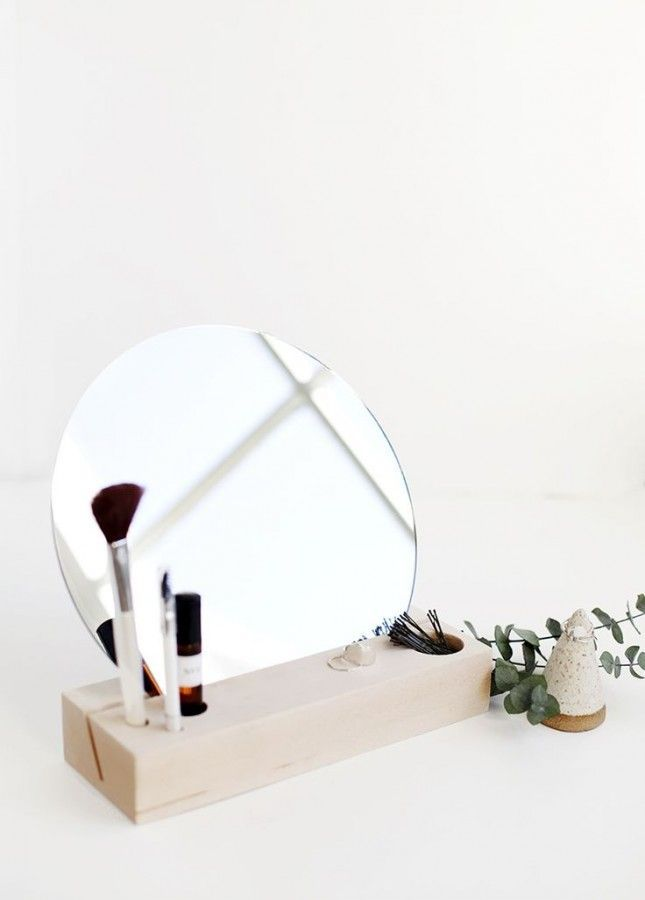 Love this modern + minimal elegant DIY beauty dock.