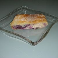 Blueberry Strudel Recipe. I will also try this with puffpastry.