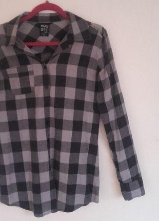 Kup mój przedmiot na #vintedpl http://www.vinted.pl/damska-odziez/koszule/12125755-szaro-czarna-koszula-w-krate-z-dlugimi-rekawami