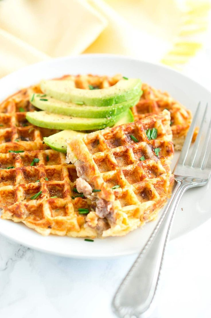 Sausage and Potato Waffles - Crispy on the outside and soft on the inside. Delicious, savory and easy breakfast idea! @SmithfieldBrand #AD