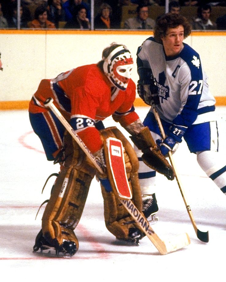 """Darryl Sittler closes in on the goal of Ken Dryden"""
