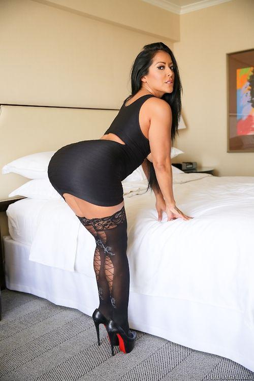Milf latino sluts in nylons daily