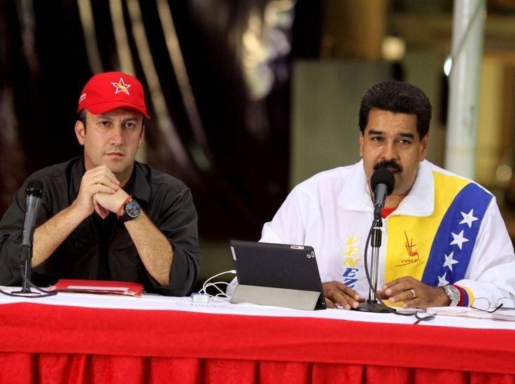 Maduro felicita en cadena nacional a Tareck por la excelente organización en la Expo Venezuela en Potencia 2017 - http://wp.me/p7GFvM-F6d