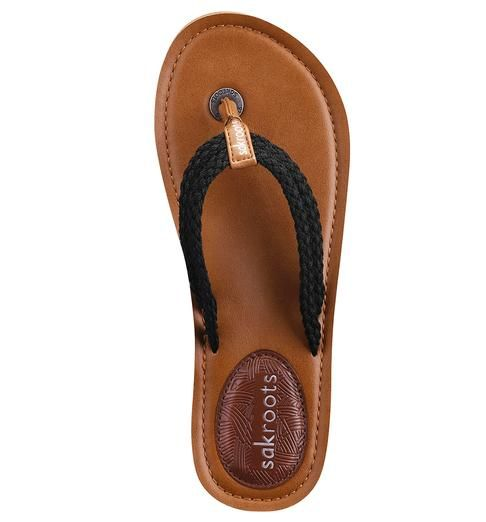 Looking for a neutral flip flop for sunny days? The Bethanny Flat Thong in Black is a great go-to sandal for the season!
