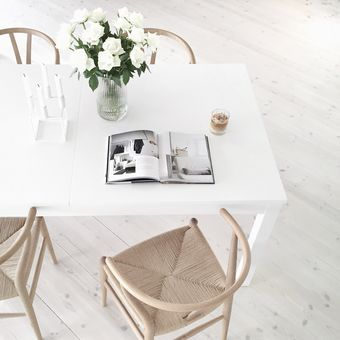 Bloglovin' (13) clean cut white tables with wooden chairs