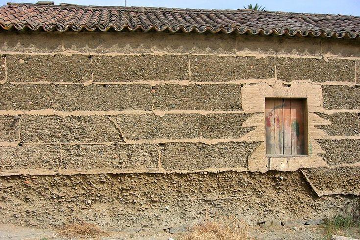 Mértola, construção em taipa