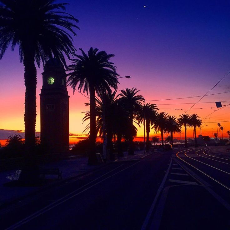 #colourful #sunset #view at #stkilda #beach #Melbourne #Victoria #Australia #bellhouse