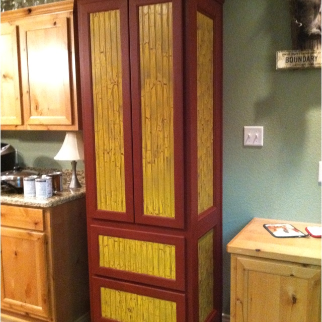 Pantry painted with krackle