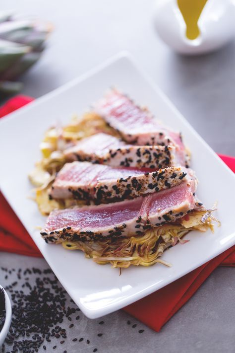 Tonno al sesamo: un secondo piatto di pesce fresco e raffinato!  [Tuna with sesame seeds]