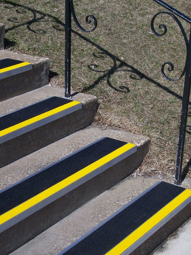 This certainly makes it very clear where the edge of each step is.