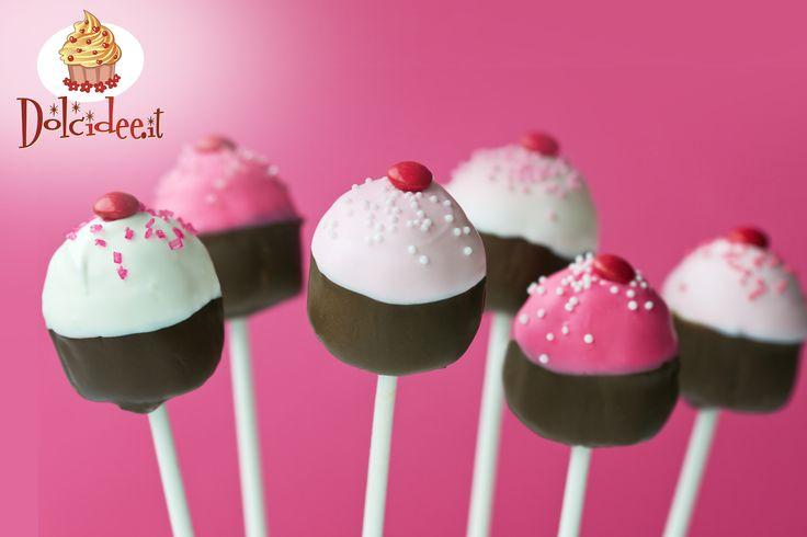 #Cakepops con #zuccherini colorati. Scopri la Community di chi ha la passione per i dolci su www.dolcidee.it.