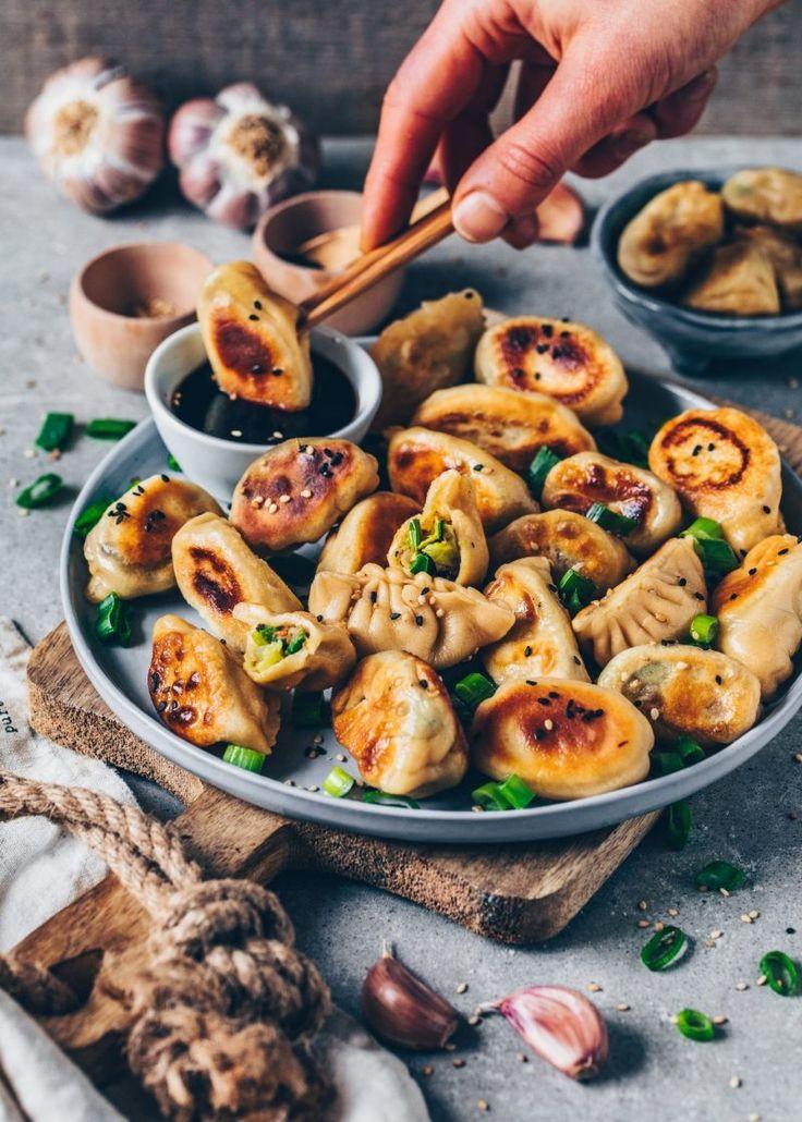 Vegan Dumplings (Gyoza with vegetable filling  – Vegetarisches Essen