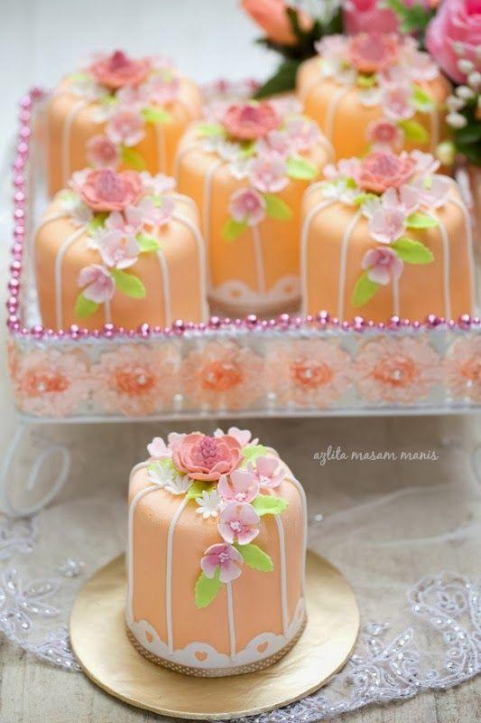 masam manis: Miniature Cake
