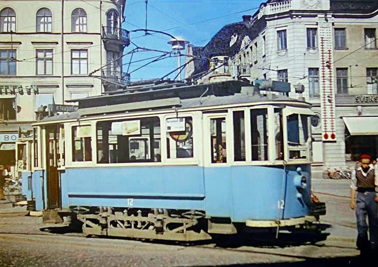 Car 12 basks in the sunshine at Stora Torget in Uppsala. This car was originally from Odense in Denmark, and has now been restored for a museum!