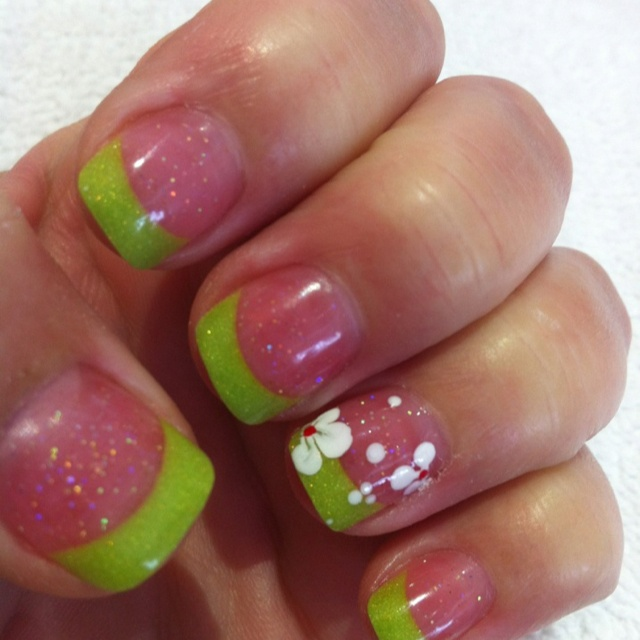 Love the length... not the Lime green color  but like the glitter and design