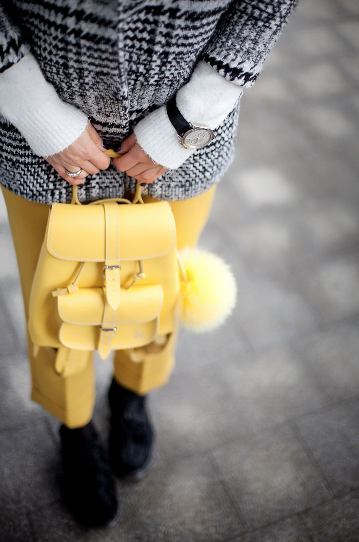 grafea-backpack-in-yellow