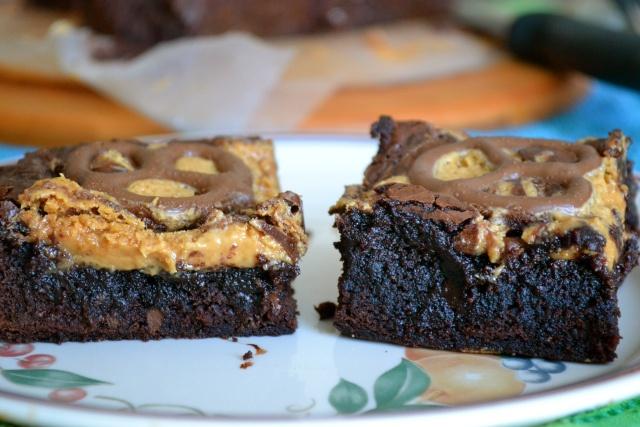 Chocolate Peanut Butter Pretzel Brownies | Brownies & Bars | Pinterest