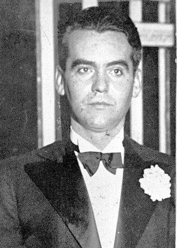 García Lorca recibiendo su Premio Novel en 1957.