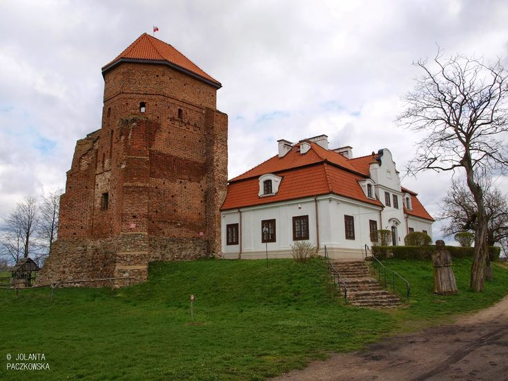 Polish delights of discovery: Liw, #Poland, Zamek (Castle) Liw in eastern Poland.
