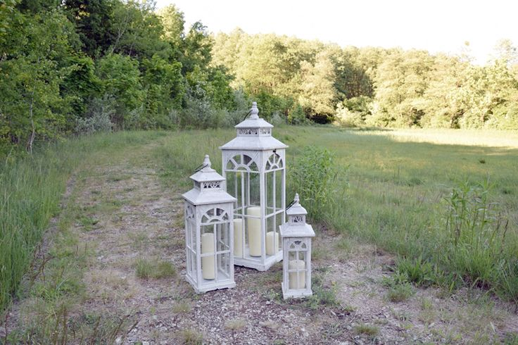 Vintage lantern outdoor design garden decor  www.thewonderwood.com www.facebook.com/thewonderwoodstore