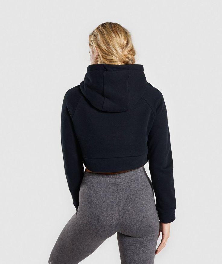 gymshark cropped crest hoodie black 2 schwarzer hoodie