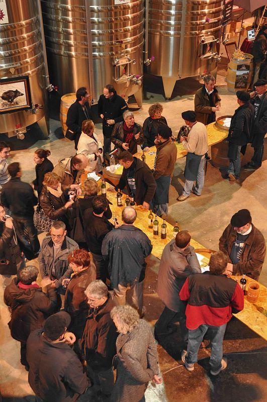 Chaque année, fin mars : Saint-Mont, Vignoble en Fête ! Rencontres avec les producteurs, dégustations et animations sont au programme de ce grand rendez-vous gastronomique.  #Vins #Vin #TourismeGers #Gers