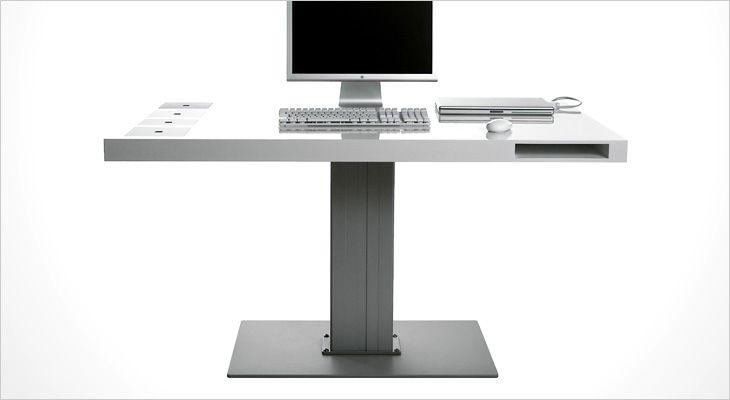 Holmris MILK working desk. Arbejdsbord, skrivebord, hæve/sænkebord