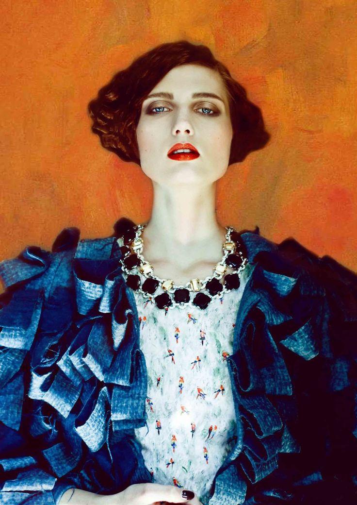NOT Gustav KLIMT! | Fashion Inspired by Gustav Klimt | photo: Alessia Campostrini | Make Up: Carolina Albertini | Model: Monika Novakova | TOMORROW Milan/Coat BOTTEGA VENETA VINTAGE