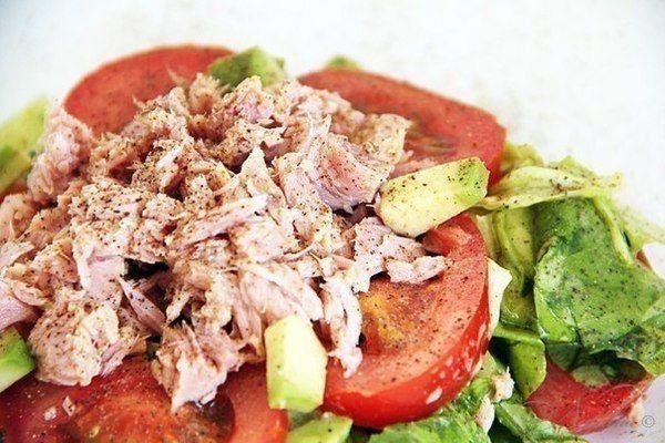 Питательный овощной салат с тунцом / Медицина для всех