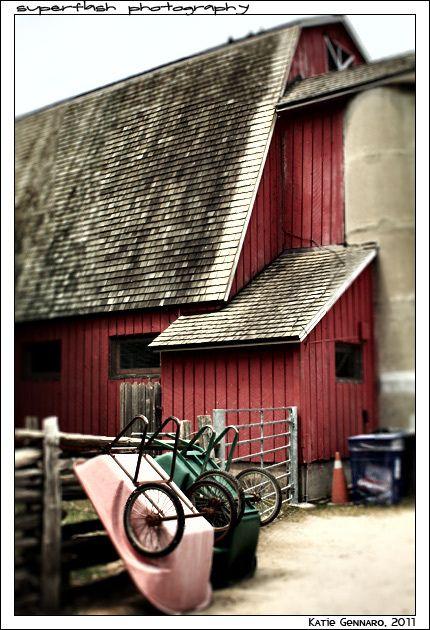 Red barn by superflash, via Flickr