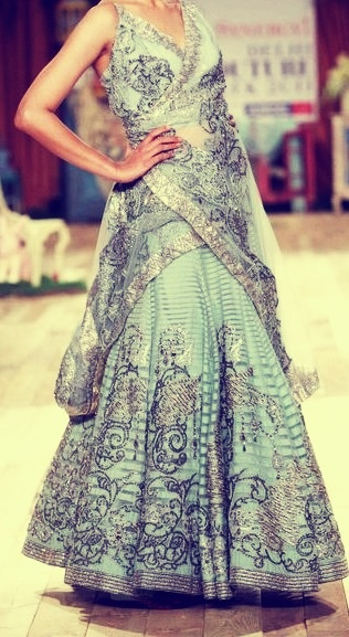 Modern lehenga for wedding reception.   South Asian bridal lehenga,